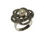 Inel din argint model floare decorat cu perla alba si marcasite