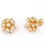 Cercei floare placati cu aur cu perle rotunde de culoarea sampaniei