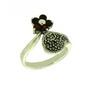 Inel cu model floare din argint cu pietre granate si marcasite